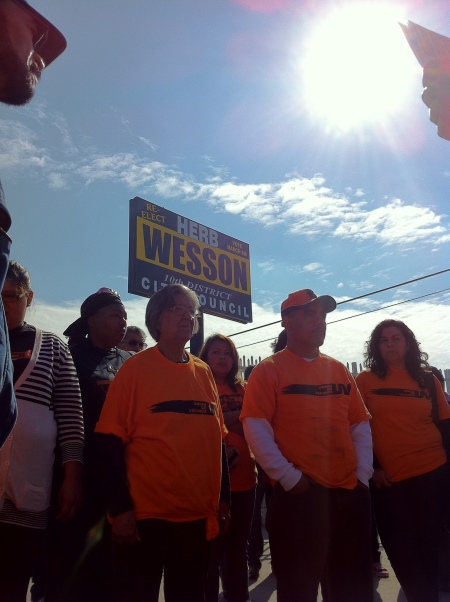 Union de Vecinos outside Wesson Campaign Office